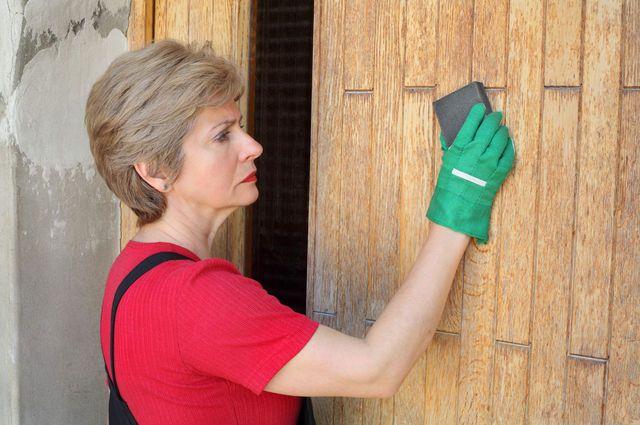Door Stripping Tips image by Sima (via Shutterstock).