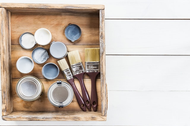 Differences Between Paint & Varnish